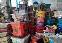 ရောင်စုံဘလောက်တုံးရောင်းအား ထက်ဝက်ခန့်ကျ